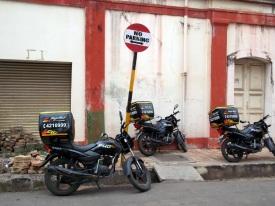 Eingeschränktes Parkverbot in Pondicherry