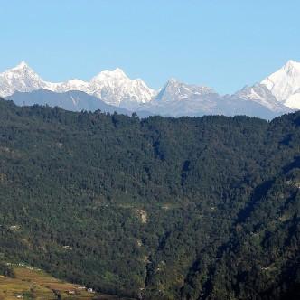 Blick auf die Singalila Range von Gangtok aus, rechts der Kanchenjunga
